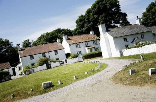 Last Minute Cottages - Penrice Castle Cottages - Rose Cottage S100454