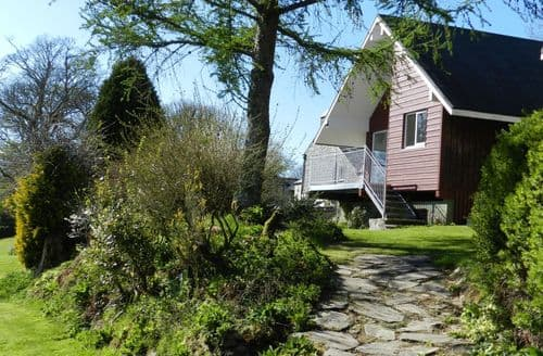 Last Minute Cottages - Ta Mill Lodges - Meadowview 1 S100475