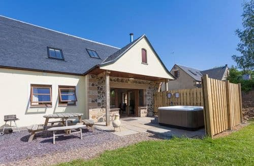 Last Minute Cottages - Williamscraig Holiday Cottages   Eden Cottages Combined S100519