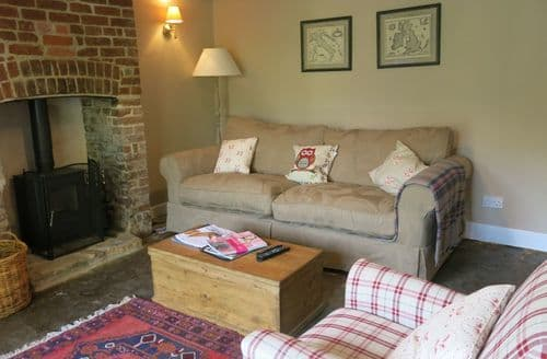 Last Minute Cottages - Highfield Cottage and Parnham Cottage S100520