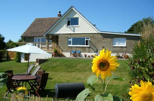 Last Minute Cottages - Three Gables S100610