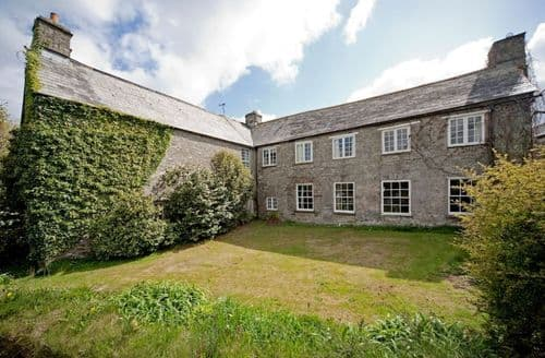 Last Minute Cottages - Trevadlock Manor & Cottages - Entire site S100624