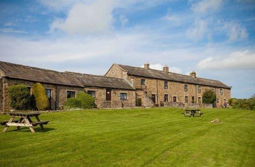 Last Minute Cottages - East Briscoe Farm Cottages   Low Barn S100637