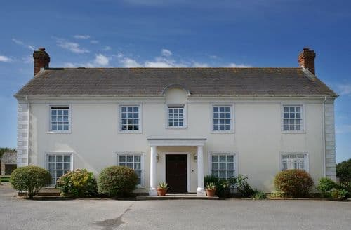 Last Minute Cottages - Kennacott Court   Farmhouse S100668