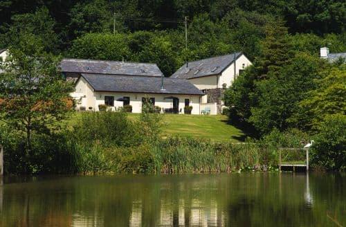 Last Minute Cottages - Lower Aylescott Farm Cottages - Lake View S100728
