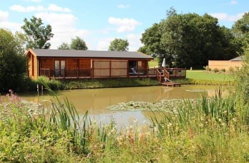 Last Minute Cottages - Stretton Lakes   Bramble S100745