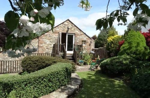 Last Minute Cottages - The Garden Apartment S100752