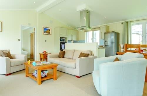 Last Minute Cottages - Captivating Blackpool Corner Lodge S100784
