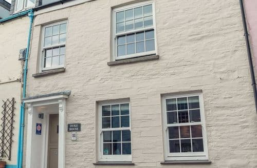 Last Minute Cottages - Padstow Breaks - Dukes Cabin S100910