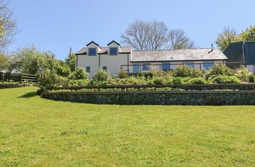 Last Minute Cottages - Hendre Wen