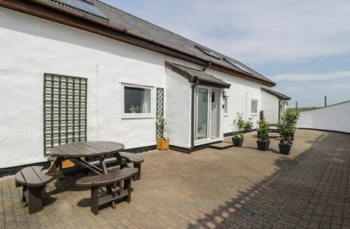 Last Minute Cottages - Inviting  Cottage S100932
