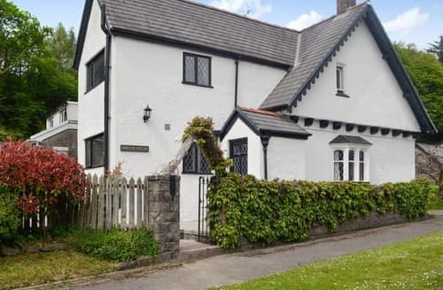 Last Minute Cottages - Inviting Swansea Cottage S100983
