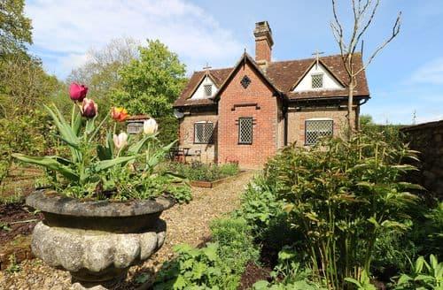 Big Cottages - Superb Five Oaks Cottage S100993