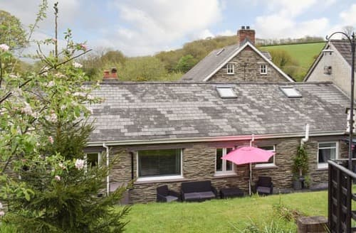 Big Cottages - Excellent Preseli Hills Cottage S101060