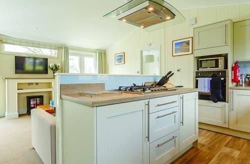 Last Minute Cottages - Quaint Blackpool Corner Lodge S101066