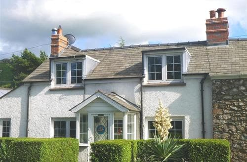 Last Minute Cottages - Tasteful Dinas Cottage S71736
