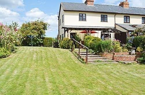 Last Minute Cottages - Quaint Broadway Cottage S24479