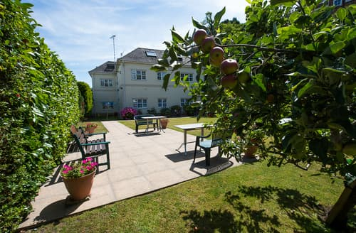 Last Minute Cottages - Captivating Dorset Bournemouth Cottage S101862