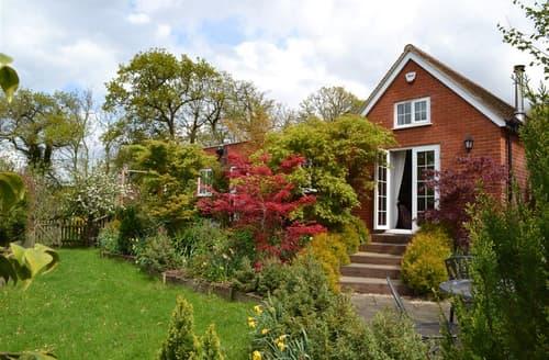Big Cottages - Excellent Fordingbridge Cottage S101876
