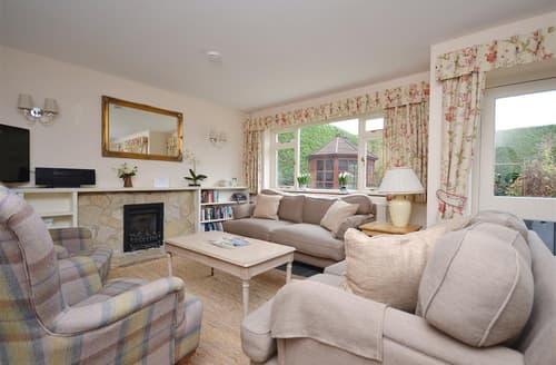 Last Minute Cottages - Inviting Brockenhurst Cottage S101901