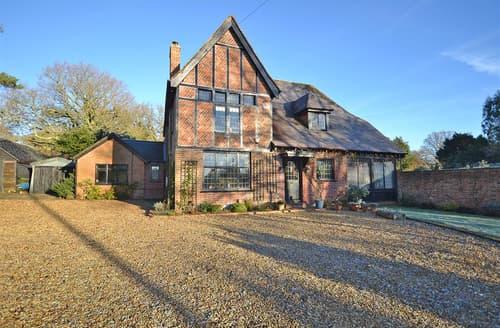 Last Minute Cottages - Excellent Burley Cottage S102029