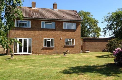 Big Cottages - Inviting East End Cottage S102066