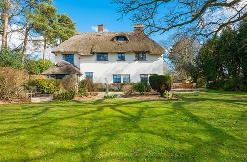 Last Minute Cottages - Charming Brockenhurst Cottage S102263