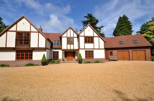 Big Cottages - Charming Burley Cottage S102322