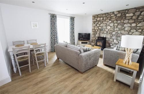 Last Minute Cottages - Superb Reynoldston Apartment S102538