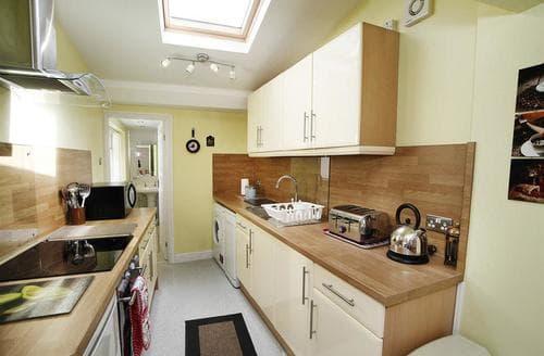 Last Minute Cottages - Splendid Mumbles Apartment S102579