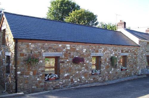 Last Minute Cottages - Tasteful North Gower Cottage S102677