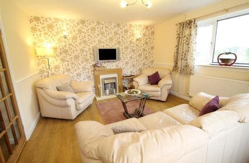 Last Minute Cottages - Lovely Bishopston Cottage S102689