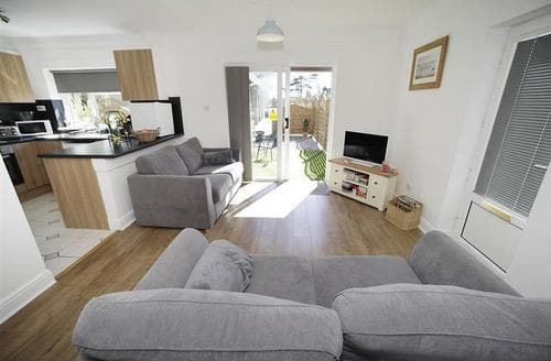Last Minute Cottages - Exquisite Bishopston Cottage S102777