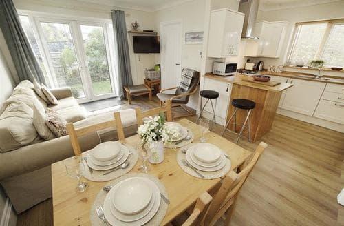 Last Minute Cottages - Splendid Limeslade Lodge S102779