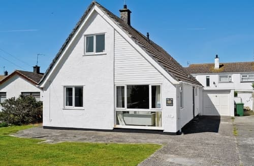 Big Cottages - Tasteful Rhosneigr And Aberffraw Cottage S24751