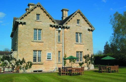Big Cottages - The Moretons Farmhouse S103109
