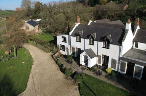 Big Cottages - Stonebarrow Manor S103122