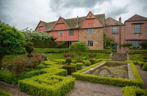 Big Cottages - Pauntley Court   Main House S103167