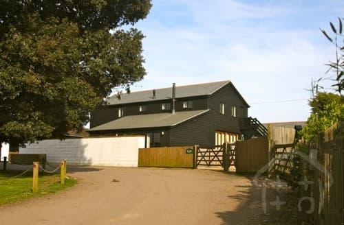 Big Cottages - Lee Wick Farm Cottages & Glamping - Purple CargoPod S103207