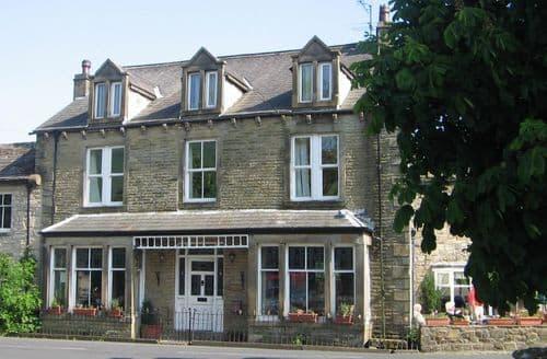 Big Cottages - Dale House S103234