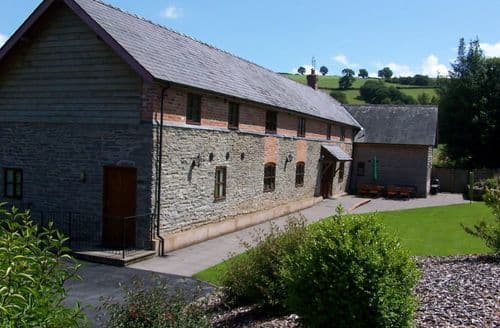 Big Cottages - Hicks Farm Holidays   Combined Cottages S103257