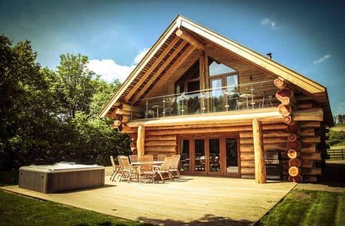 Big Cottages - Hidden River Cabins   Roe Deer S103338
