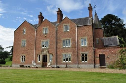 Big Cottages - Eriviat Hall