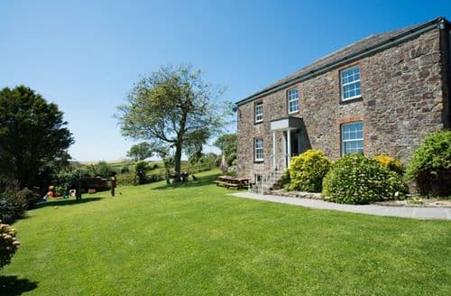 Big Cottages - Court Farm Holidays   Court Farmhouse  S103422