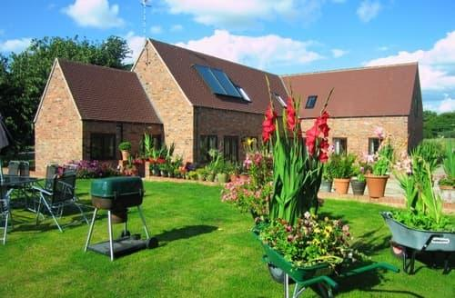 Big Cottages - Stratford Holiday Let   Unicorn Barns S103454