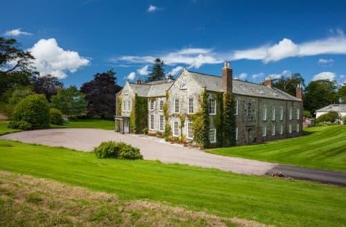 Big Cottages - The Devon Manor House S103614