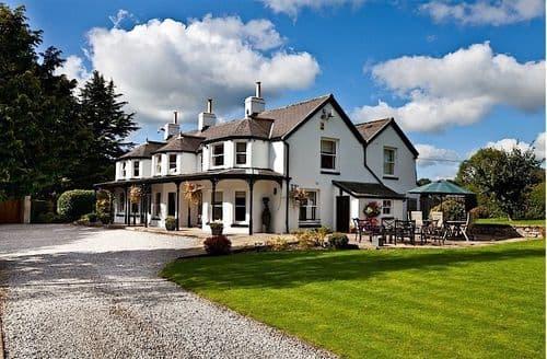 Last Minute Cottages - Thornbridge Manor S103634