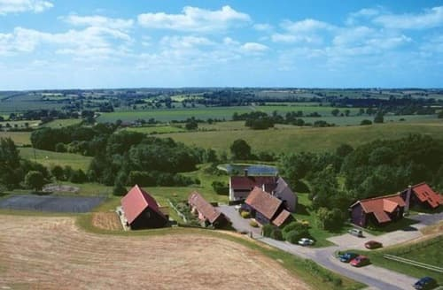 Big Cottages - Gladwins Farm   Hadleigh S103763