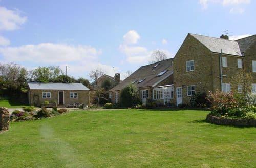 Big Cottages - The Farmhouse
