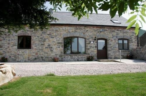 Big Cottages - Tytanglwyst Farm Holiday Cottages   Swallow Cottage S103891